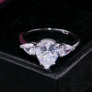 Gorgeous 925 Silver Pear Cut White Sapphire Ring